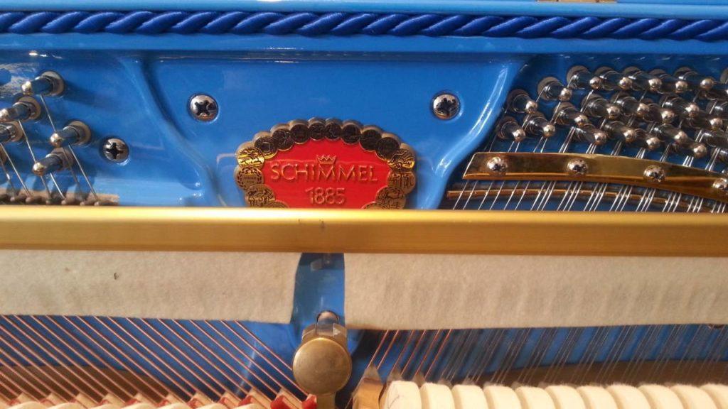 Blaues Schimmel Piano