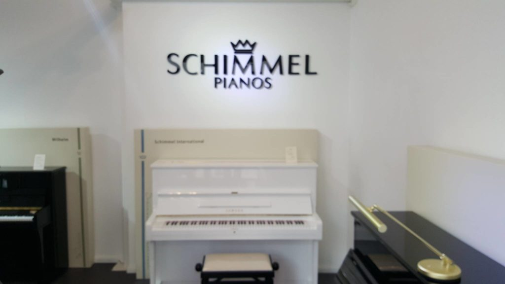 schimmel klavier berlin 030 66933733 pianohaus listmann. Black Bedroom Furniture Sets. Home Design Ideas