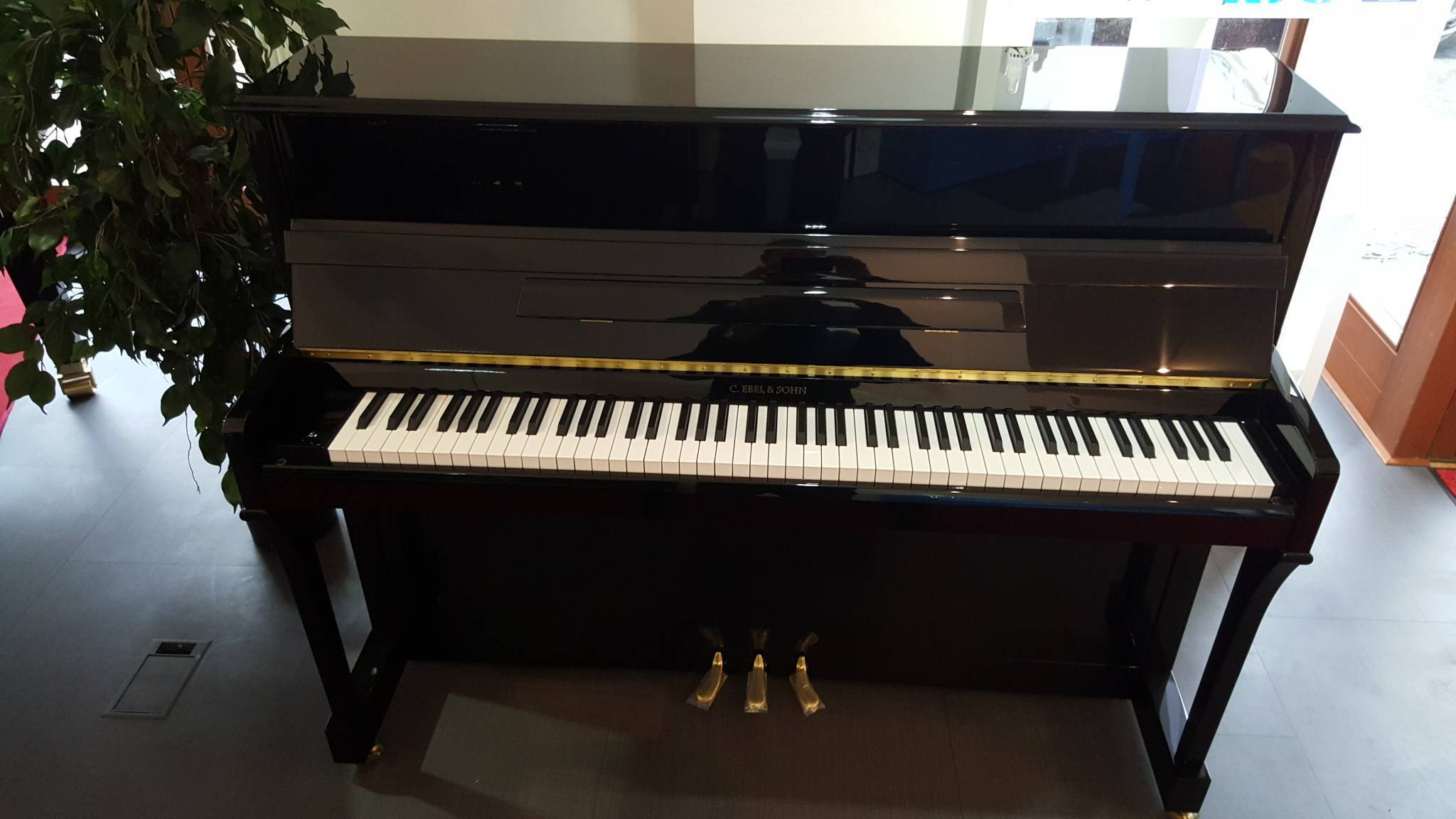 Piano Ebel 110K