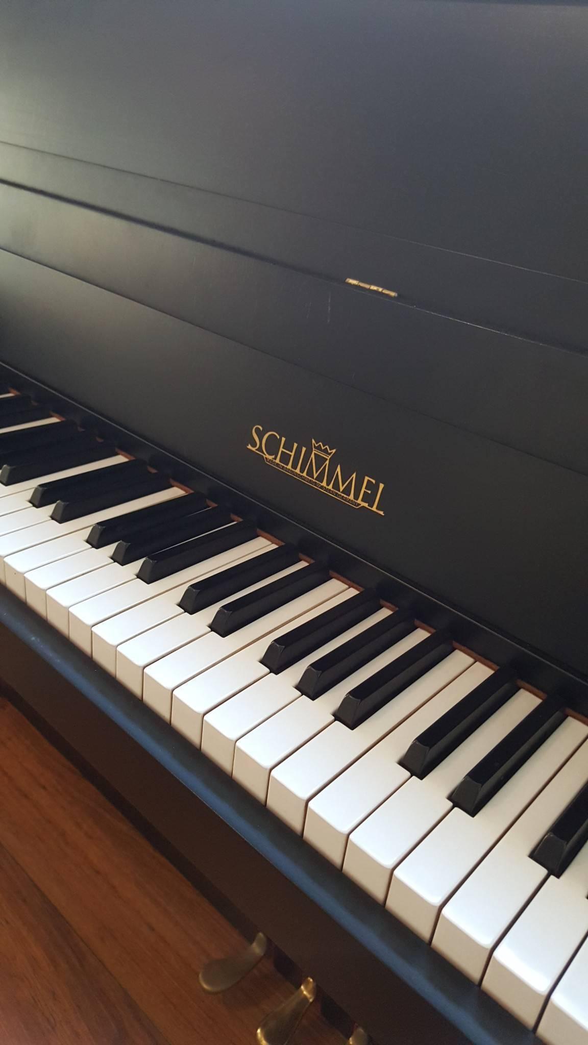 schimmel 104 pianohaus listmann. Black Bedroom Furniture Sets. Home Design Ideas
