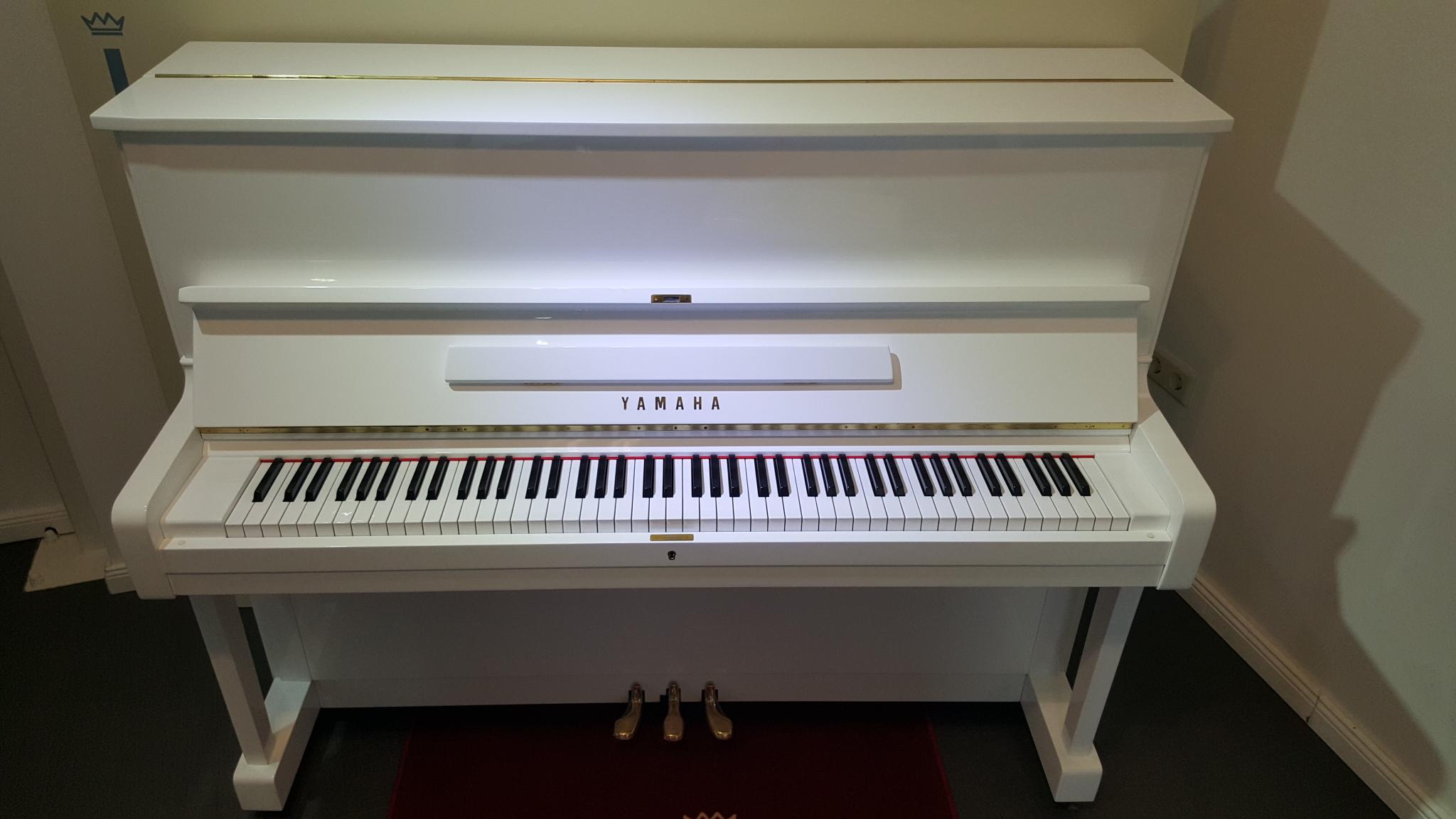 yamaha klaviere berlin pianohaus listmann 030 66933733. Black Bedroom Furniture Sets. Home Design Ideas