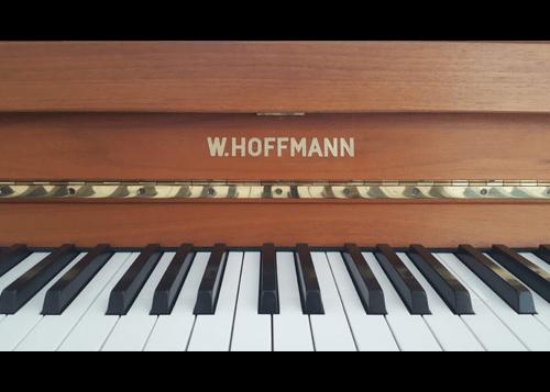 Hoffmann Klavier 114